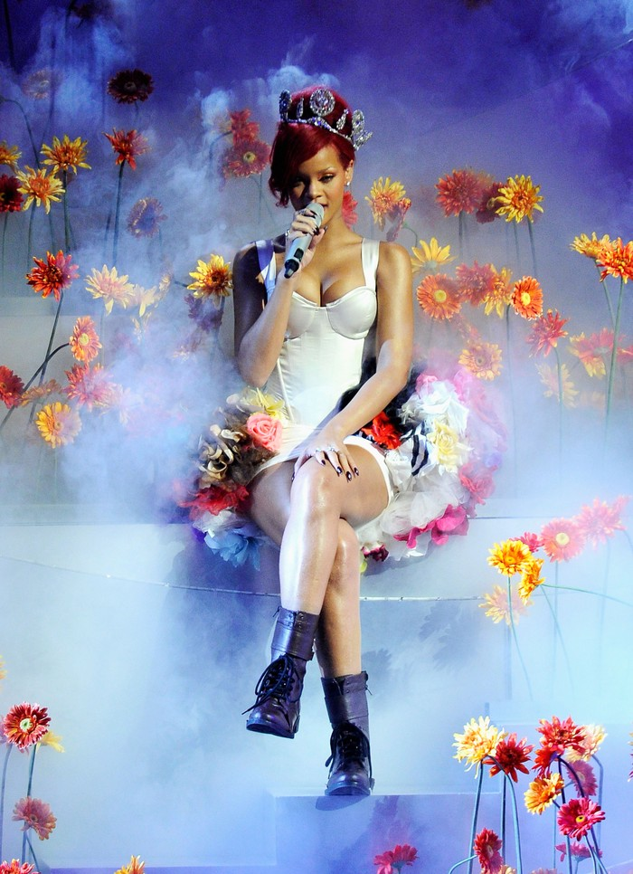 MADRID, SPAIN - NOVEMBER 07:  Rihanna performs during the MTV Europe Music Awards 2010 live show at La Caja Magica on November 7, 2010 in Madrid, Spain.  (Photo by Gareth Cattermole/Getty Images)