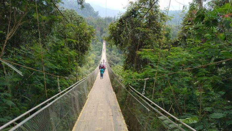 Jembatan gantung di Situ Gunung, Sukabumi menjadi jembatan gantung terpanjang di ASEAN