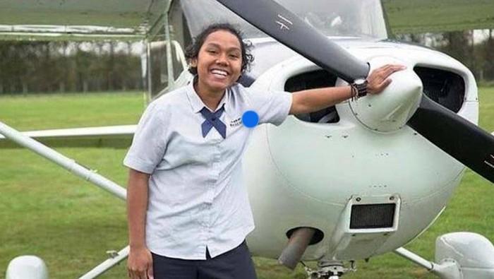 Dua Putri asal Papua berhasil menjadi pilot pada maskapai penerbangan di tanah air. Vanda diterima sebagai pilot di Garuda Indonesia, dan Martha diterima di Citilink.