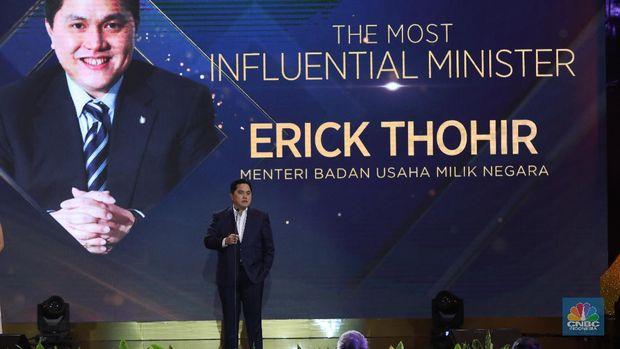 Menteri Badan Usaha Milik Negara RI (BUMN) ErickThohir dalam acara CNBC Indonesia Award 2020 Indonesia dengan tema Menyongsong Bangkitnya Ekonomi Indonesia 2021. (CNBC Indonesia/Andrean Kristianto)