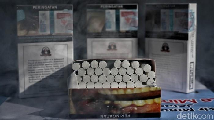 Cukai rokok 2021 naik menjadi 12,5%. Kenaikan tarif tersebut mulai berlaku pada Februari 2021 mendatang.