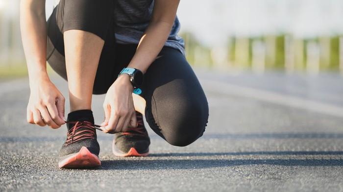Running shoes atau sepatu lari
