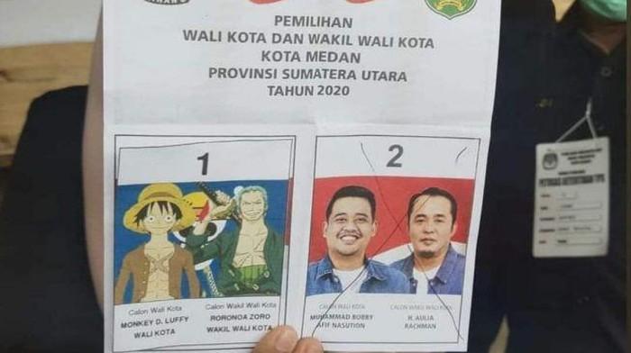 Surat suara Pilkada Medan ditempel gambar One Piece.
