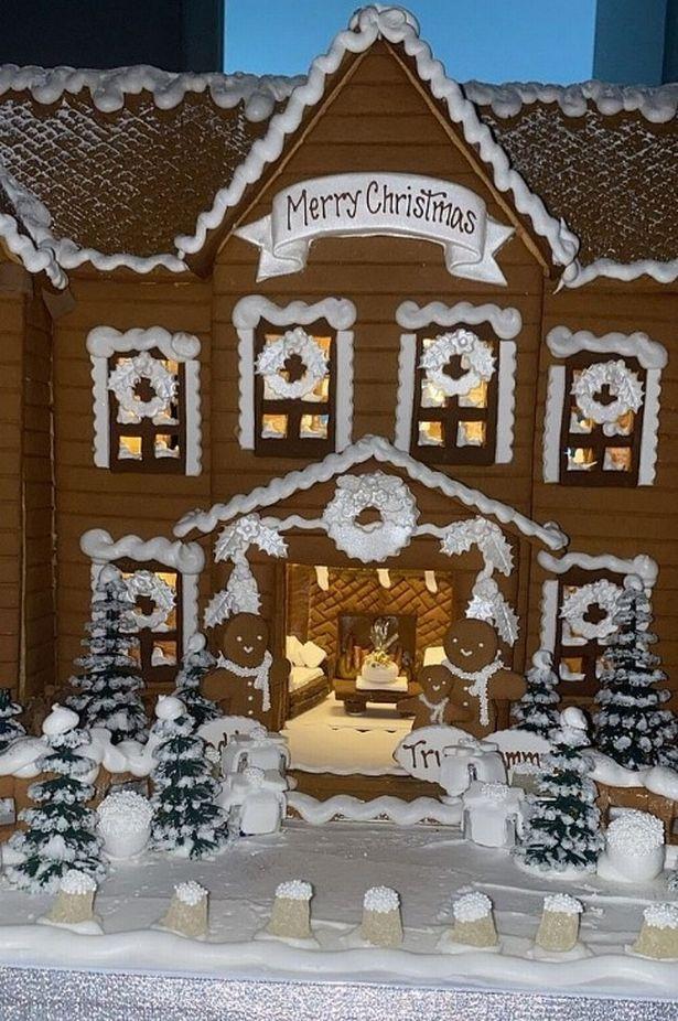 Fantastis! Keluarga Kardashian Rayakan Natal Dengan Kue Jahe Rp 16 Juta