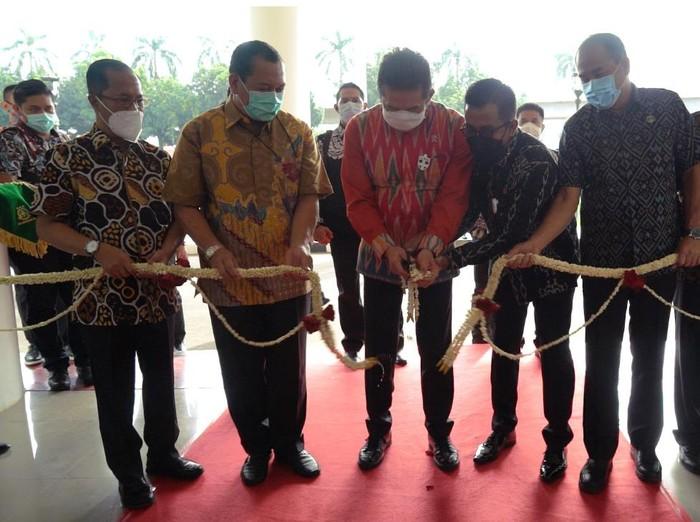 Jaksa Agung ST Burhanuddin meresmikan gedung baru Kejagung.