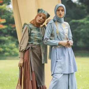 Ria Miranda Rilis Koleksi Busana Muslim Klasik, Terinspirasi Little Women