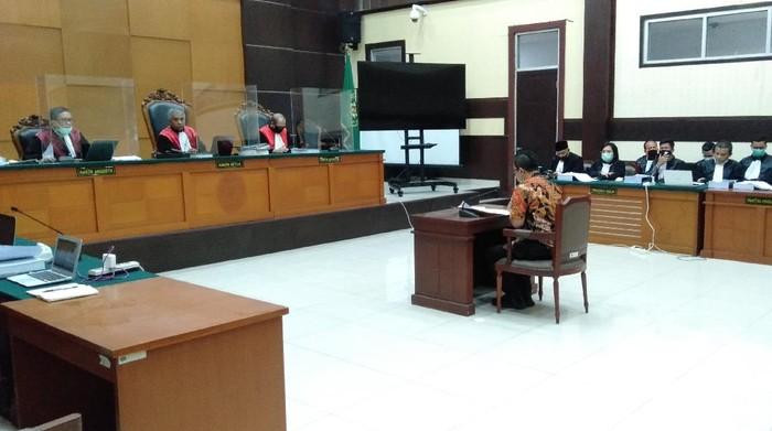 Kuasa Hukum Brigjen Prasetijo Utomo Bacakan Pleidoi
