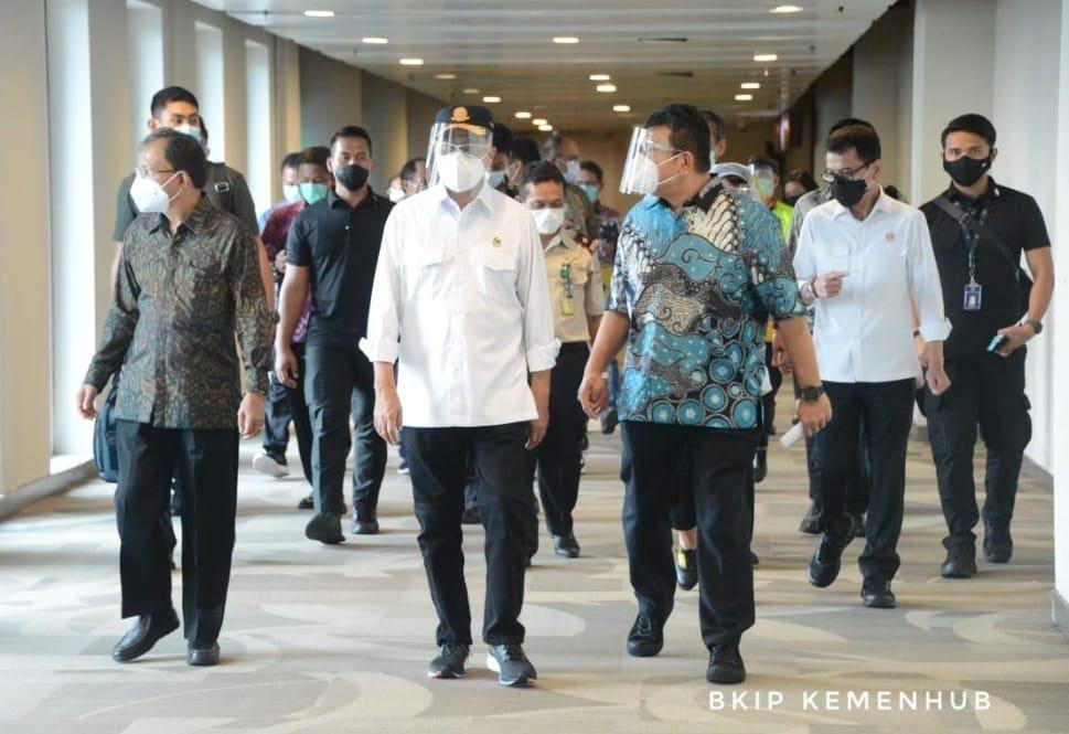 Menhub Budi Karya Sumadi cek Bandara I Gusti Ngurah Rai. (Dok Kemenhub)