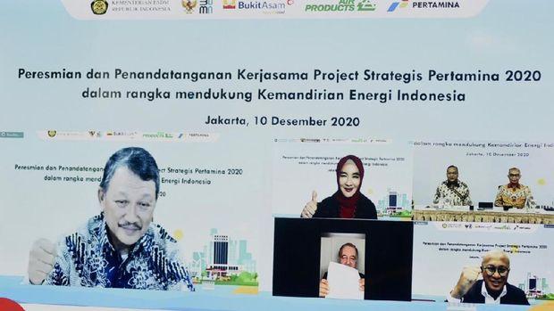 Penandatanganan proyek strategis pertamina untuk peresmian kilang langit biru cilacap dan proyek gasifikasi batu bara jadi DME. (Dok: Pertamina)