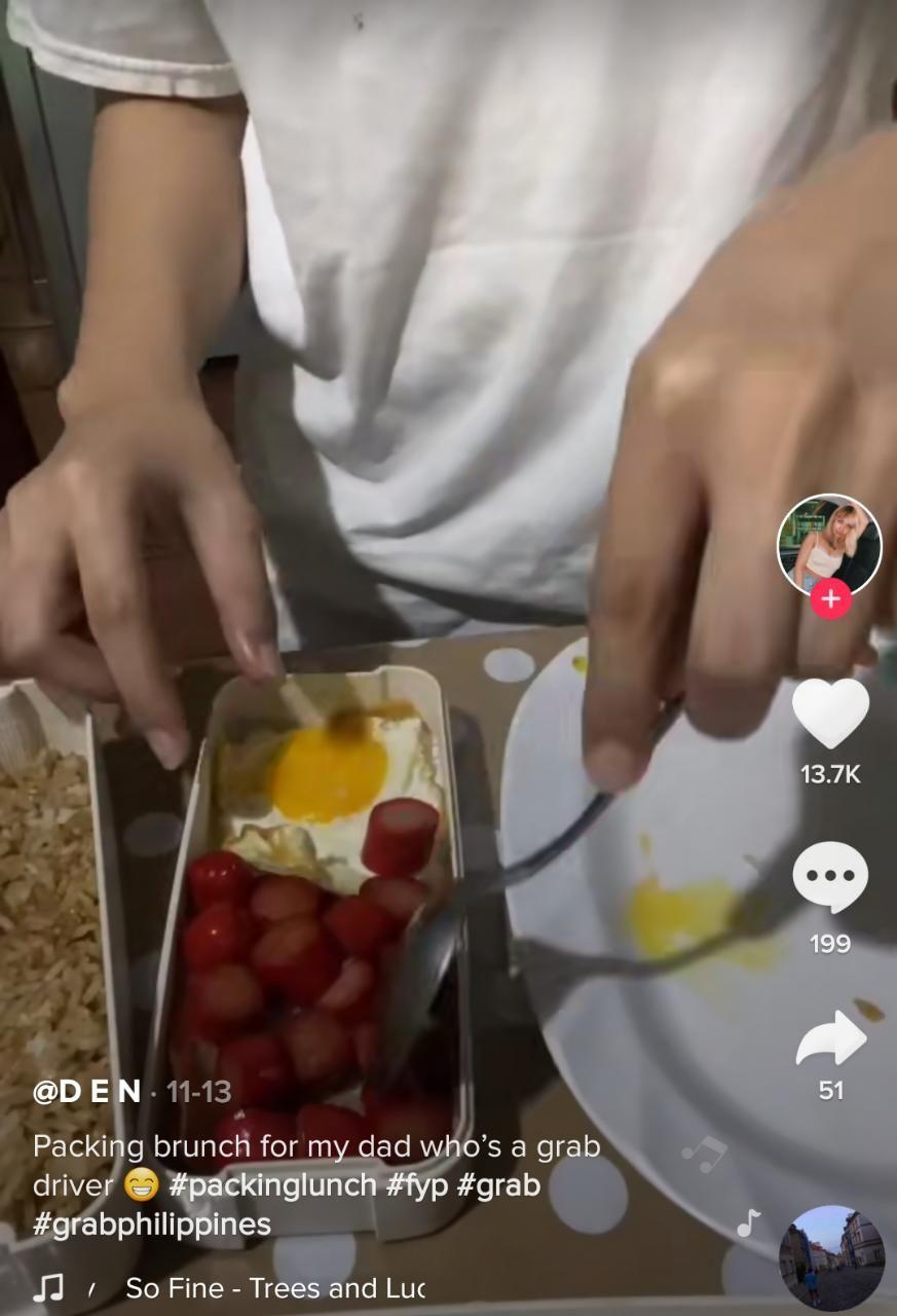 Salut! Wanita Ini Siapkan Bekal Makan Ayahnya yang Kerja Jadi Ojol