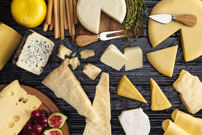 8 Tips Bikin Roti Panggang Keju Enak, Renyah dan Gurih!