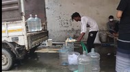 Begini Proses Isi Ulang Air Minum di India, Netizen Bersyukur Tinggal di Indonesia