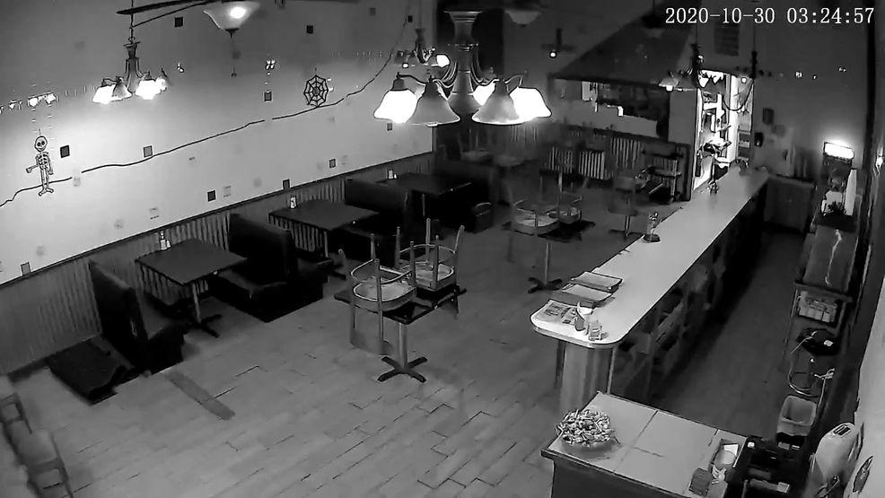 Hiiii! Ada Hantu Jahil di Restoran Burger yang Menyeramkan Ini