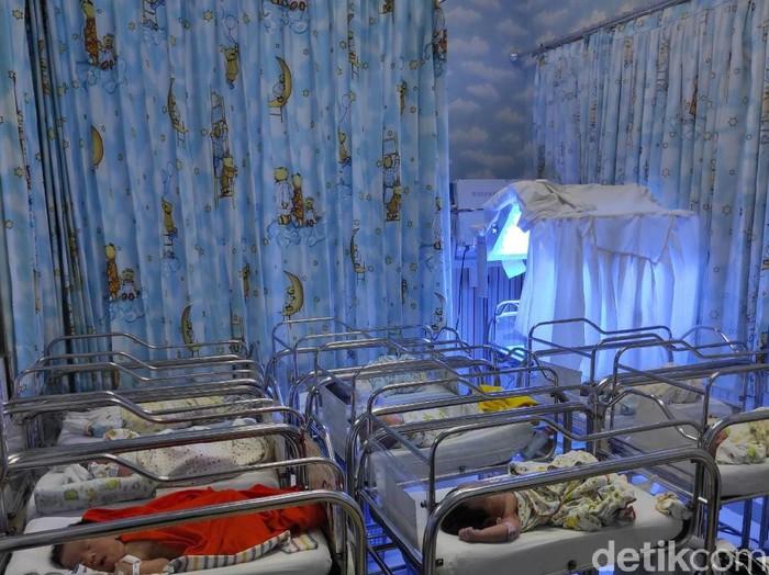 Ada 10 bayi yang lahir di Rumah Sakit Ibu dan Anak (RSIA) Kendangsari, Merr, Surabaya hari ini. Yakni tepat di tanggal cantik 12-12-2020