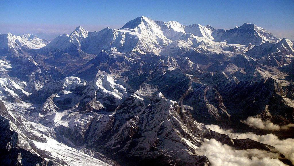 Waduh! Kasus COVID-19 Sudah Terdeteksi di Gunung Everest