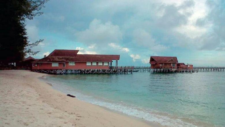 Derawan di Kalimantan Timur.