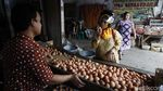 Jelang Natal dan Tahun Baru, Harga Telur Ayam Merangkak Naik