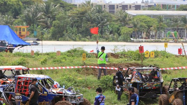 Event Urban Beach Adventure, balap offroad itu sukses diselenggarakan di Ancol Jakarta.
