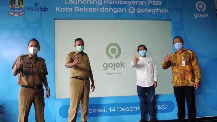 Pemkot Bekasi, Bank BJB dan Gojek berkolaborasi dalam memudahkan pembayaran PBB. Kini bayar PBB bisa lewat GoPay lewat fitur GoTagihan.