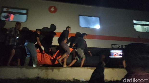 Mobil patroli tertabrak KA Brantas di Sragen