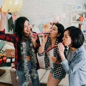 #DiRumahAja, Ini 5 Cara Asyik Nikmati Libur Tahun Baru