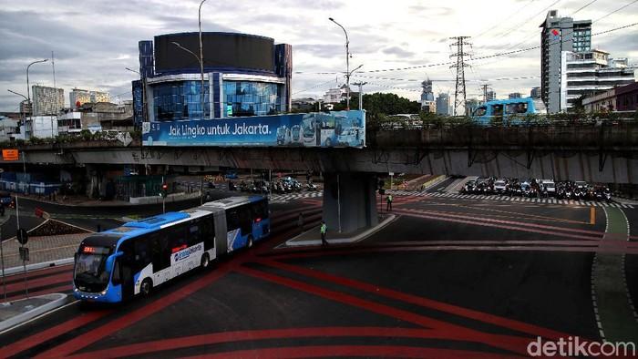 Kawasan Simpang Lima Senen jadi salah satu area yang ditata oleh Pemprov DKI Jakarta. Kawasan itu kini memiliki wajah baru yang lebih modern dan instagramable.