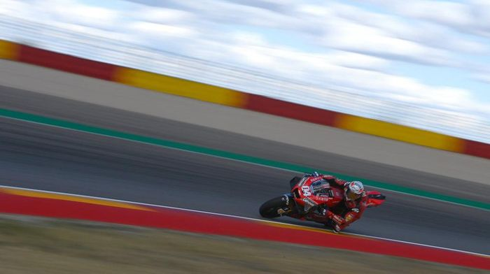 Ducatis Italian rider Andrea Dovizioso takes part in the second free practice session of the MotoGP race of the Grand Prix of Teruel at the Motorland circuit in Alcaniz on October 23, 2020. (Photo by PIERRE-PHILIPPE MARCOU / AFP)