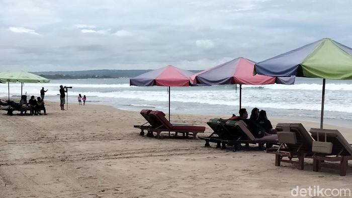 Ilustrasi Pantai Kuta.