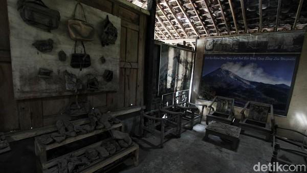 Museum Merapi ini berada di sekitar 7 kilometer dari puncak Gunung Merapi.