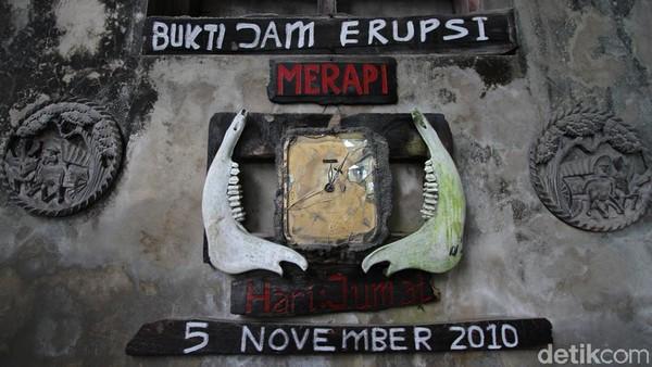 Pada Jumat 5 November 2010, tepatnya pukul 12 lebih 5 menit 40 detik, terekam pada sebuah jam dinding di Museum Sisa Hartaku yang mengabadikan saat awan panas menghancurkan kawasan ini.