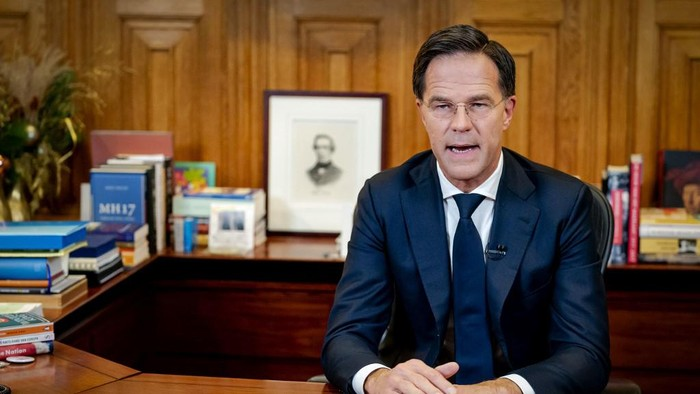 Prime Minister Mark Rutte adresses the nation in het Torentje about new measures against the novel coronavirus Covid-19, in The Hague, on December 14, 2020. - The cabinet has decided to introduce a strict lockdown to put an end to the sharp increase in the number of new corona infections. Most shops, all schools and other institutions such as theaters and museums have to close their doors for at least a month. (Photo by Bart Maat / ANP / AFP) / Netherlands OUT