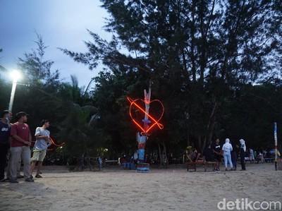 Yang Lagi Hits di Kabupaten Sambas, Pantai Bahari