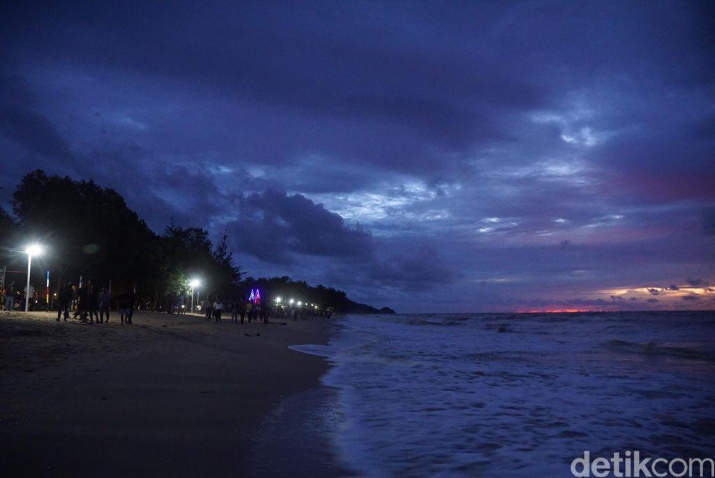 Pantai Bahari di Sambas