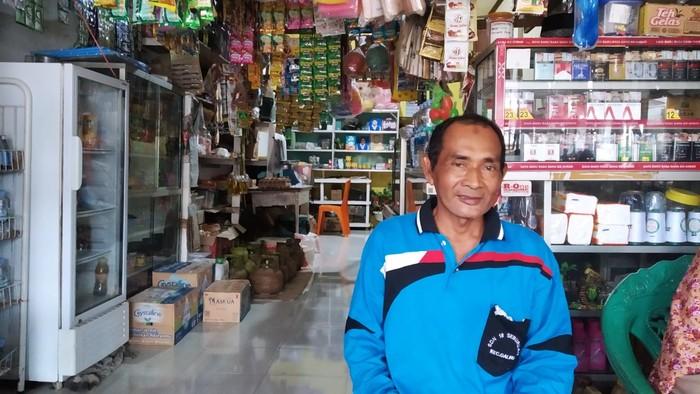 Pedagang sembako di Kecamatan Galing