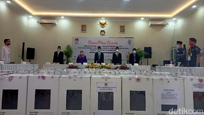 Pleno KPU Bandung