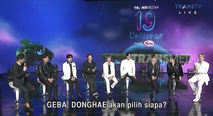 Super Junior di acara HUT Transmedia 19 Universe.
