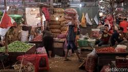 Pedagang Pasar Ngeluh, Pembeli Jelang Puasa Sepi