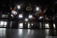 Berumur lebih dari 1 abad menjadikan Masjid Jami sebagai masjid tertua di Kalimantan Barat.