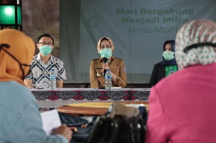 Pemerintah Kota Tangerang Selatan (Tangsel) menjajaki kerja sama dengan Grab untuk memasarkan produk UMKM.