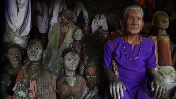 Desa Kete Kesu juga merupakan kawasan cagar budaya dan pusat berbagai upacara adat Toraja seperti Rambu Solo (pemakaman yang sangat fenomenal), Rambu Tuka serta berbagai ritual adat lainnya.