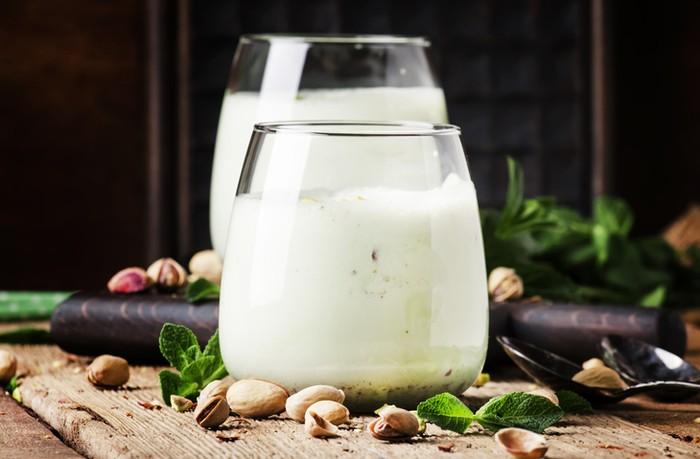 Susu Pistachio Sama Bagusnya Dengan Susu Almond? Ini Kata Ahli
