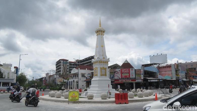 Tugu Pal Putih Yogyakarta bebas dari kabel listrik, Rabu (16/12/2020)