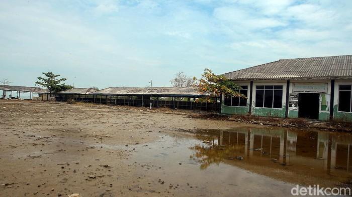 Bisnis rumah makan di kawasan jalur Pantura jatuh bangun bertahan dihantam pandemi Corona. Tak sedikit rumah makan yang kemudian bangkrut karena sulit bertahan.