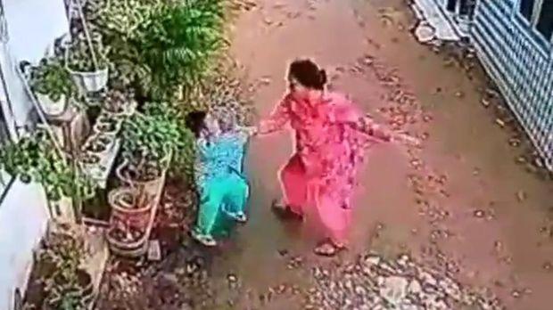 Bocah dianiaya tetangga karena dituduh merusak tanaman hias