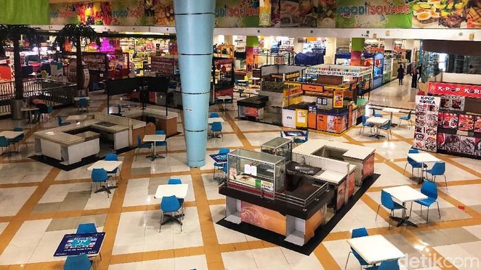 Begini kondisi food square di salah satu pusat perbelanjaan di Depok, Kamis (17/12/2020).