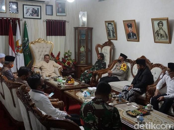 Gubernur Jateng Ganjar Pranowo sowan Habib Luthfi bin Yahya di Pekalongan, Kamis (17/12/2020).