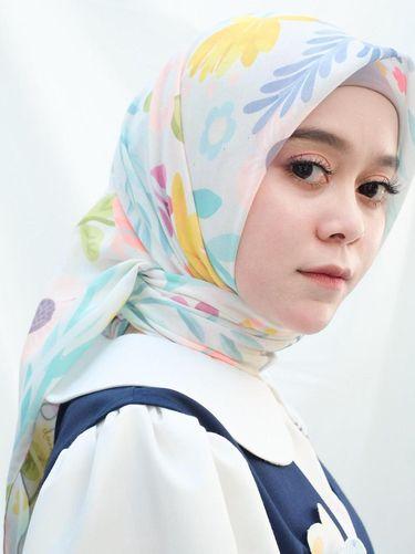 Koleksi hijab Lesti Kejora