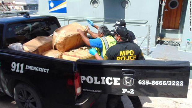 Kapal Hantu Terdampar di Pulau Terpencil, Isinya 649 kg Kokain