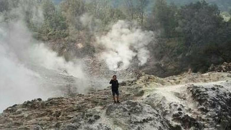 Kawah Ratu di Gunung Salak