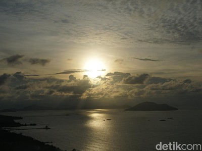 Tempat Terbaik Melihat Sunset di Barat Borneo
